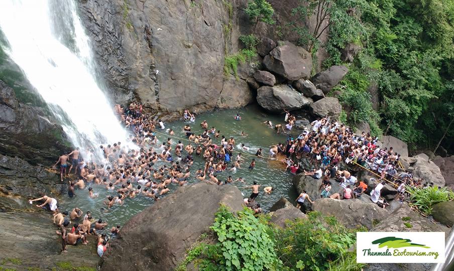 palaruvi-waterfalls